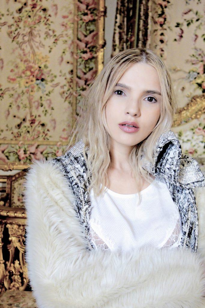 editorial de moda em Versalhes sala da Maria Antonietta