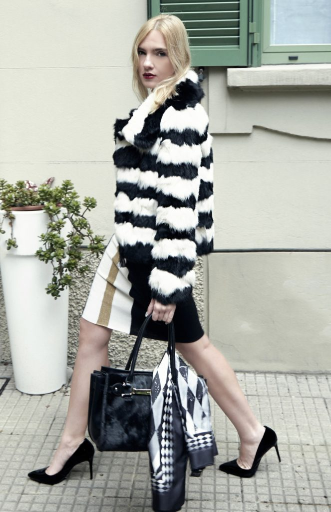 look 3 lurex, lace shirt and fur coat (2)