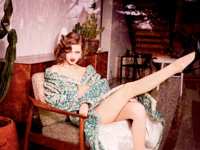 lindsey wixson by ellen von unwerth for vogue russia july 2015 IDsetters (6)