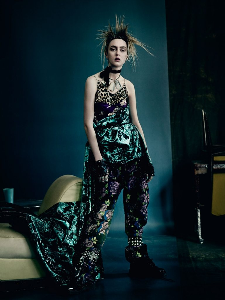 UK VOGUE SEPTEMBER 2015 THE SHINING by Paolo Roversi IDsetters image only008