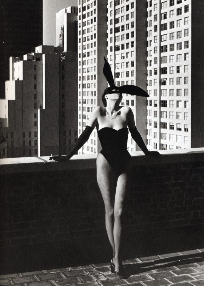 elsa-peretti-as-halston-bunny-girl-nov-1975-shot-by-helmut-newton-fashion bunny idsetters